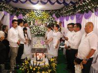 Ibadah Pemakaman Ibunda Wawali Dihadiri Seluruh Jajaran Pemkot Tomohon