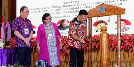 Buka KGM PGI, Gubernur Olly: Gereja Harus Satukan Visi, Misi dan Persepsi