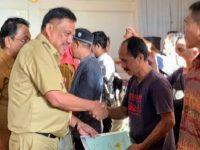 Warga BMR Terima 1.243 Sertifikat Tanah Gratis Program Jokowi