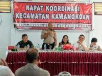 Cegah Kejahatan, Kapolsek Umar Sosialisasikan Call Center