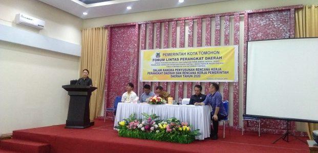 Dihadiri Ketua DPRD Miki Wenur, Mandagi Buka FLPD Tomohon