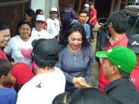 Warga Desa Tumani Sambut Kunjungan Sandra Rondonuwu